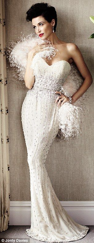 dannii minogue_white gown