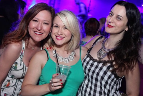 LV_Funsies_Girls at the Gig