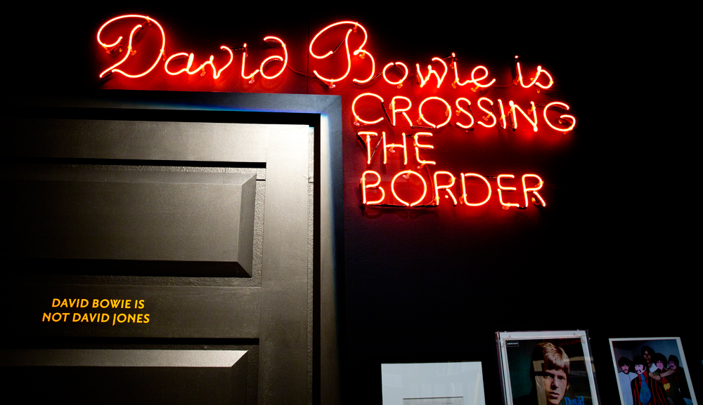 -david-bowie-is-37046024-1000-577