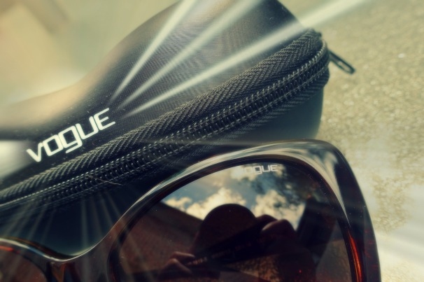 sunglasses shop_VOGUE!