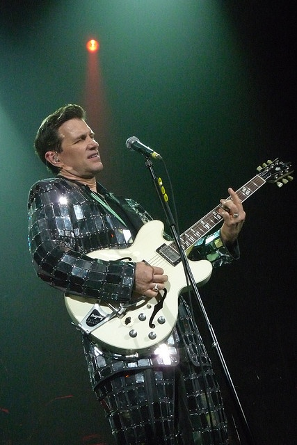 chris isaak_mirrorball suit